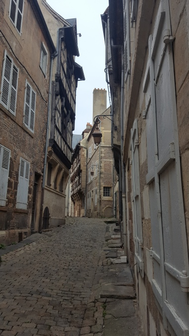 Moulins. A city on our route back. Lovely, but nearly a ghost town.